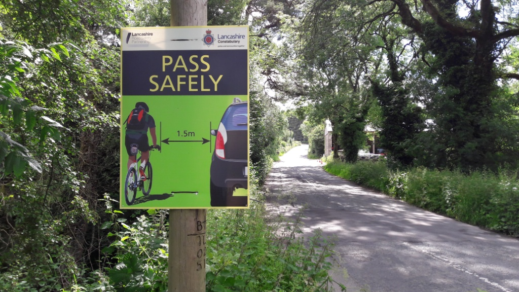 <b>Pass Cyclists Safely sign